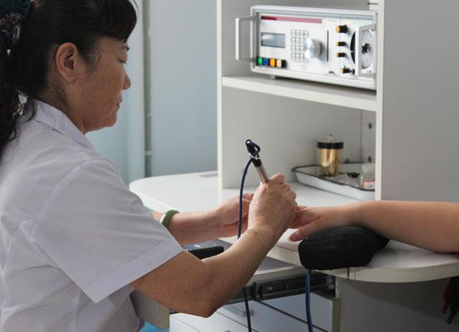为患者进行过敏源检测